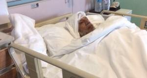 الوالد احمد بن صالح على السرير الأبيض