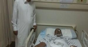 عبدالله بن احمد يحي على السرير الأبيض